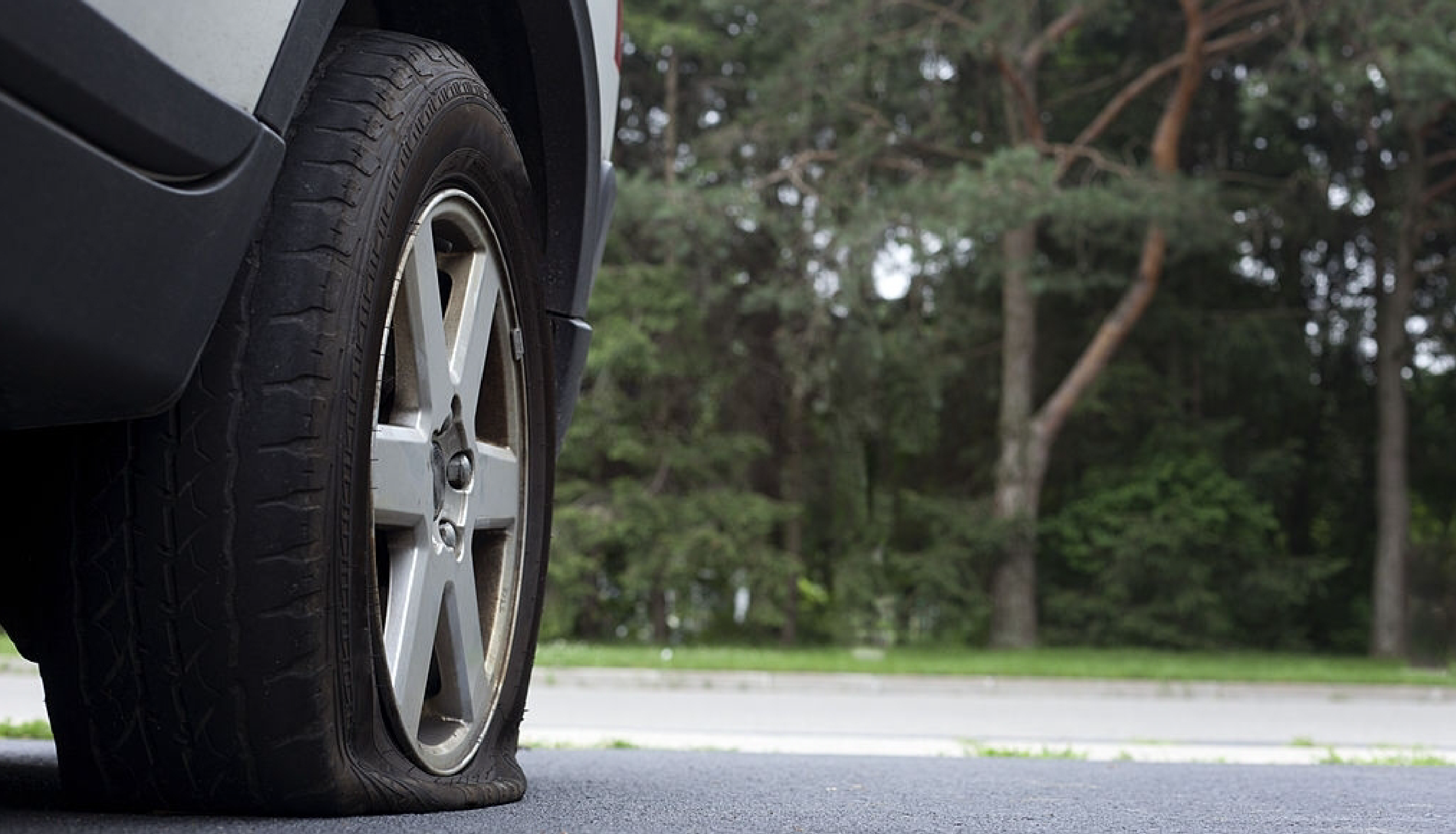 How to Change a Flat Tyre? Know About Run Flat Tyres